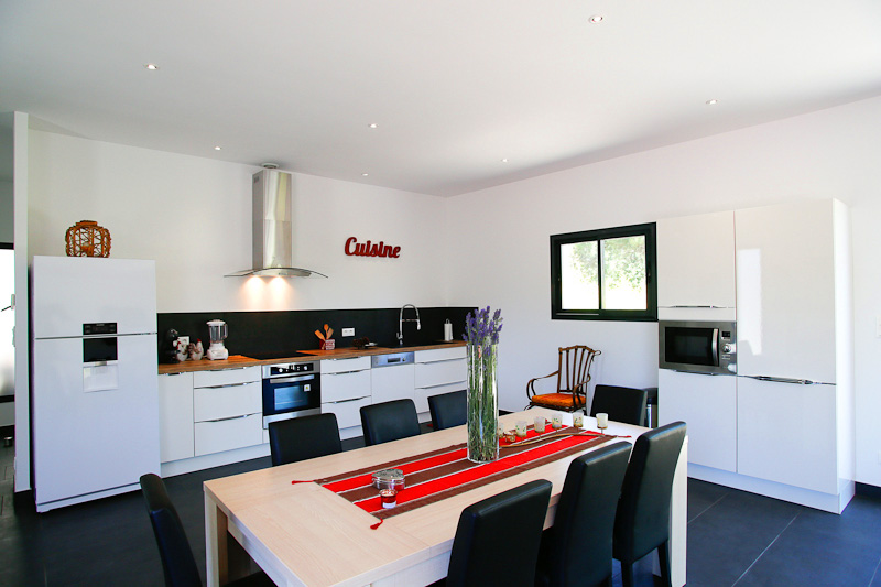 house rental grau d agde kitchen